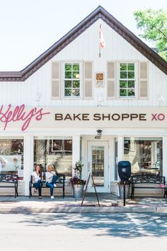 Kellys Bake Shoppe and Kelly Childs and Erinn Weatherbie