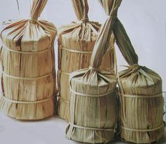 Sugar cane wrapped in cane leaves (above) and banana leaves (lower). Egg Packaging, Organic Packaging, Japanese Packaging, Bakery Packaging, Food Packaging Design, Coffee Packaging, Bottle Packaging, Packaging Design Inspiration, Japan Design