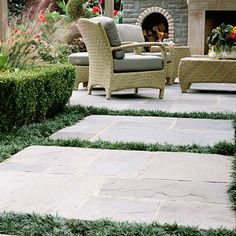 Play with Pavers.Turn a garden path into a series of mini patios by using large islands of flagstone separated by ribbons of thick turf. In this backyard, the paved pieces have two functions: They act as a handsome and stable garden walkway Patio Design, Garden Design, Garden Pavers, Garden Path, Flagstone Pavers, Cozy Backyard, Backyard Ideas, Patio Ideas, Large Backyard