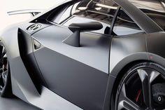 Lamborghini Sesto Elemento-Concept-Car-5-  fubiz.net   Looks a little like the Batmobile ;-)