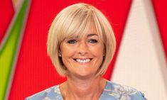 Loose Women's Jane Moore, shows off incredible bikini body Short Hair Cuts For Women, Short Hair Styles, Compliments For Her, Jane Moore, Stacked Haircuts, Ivana Trump, Blonde Bobs, Short Bob Hairstyles, Bikini Photos
