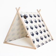 Bear Wonder Tent Clothes Rack Conversion di SuchGreatHeightsKids
