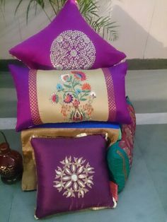Stutee silk and hand embroidered cushion covers Diy Cushion Covers, Cushion Cover Designs, Pillow Cover Design, Cushion Ideas, Cushion Embroidery, Embroidered Cushions, Indian Home Decor, Diy Home Decor, Diy Pillows
