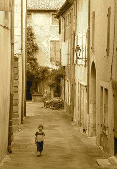 L'enfant des rues, quelque part en France...