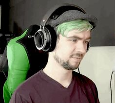 justchasingghosts: eyebrow game strong therealjacksepticeye: They did that on their own, I dont control them!