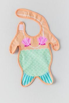 The Mermaid Baby Bib is a precious baby bib that is one size fits most! This bib features a mermaid outfit which will have your little one looking adorable while eating! My Baby Girl, Our Baby, Baby Baby, Baby Girls, Little Babies, Cute Babies, Bebe Love, Unique Gifts For Kids, Mermaid Baby Showers
