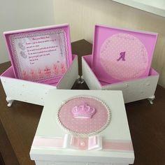 Mais uma delicadeza nasceu para o batizado da pequena Alice! Encomendas WhatsApp (21) 964066725 E-mail: ateliefazeaconteceartes@yahoo.com.br #caixasdeluxo #arteemmdf #façavocemesmo #ateliefazeaconteceartes #caixabatizado #batizado #batizadomenina #batizados #caixasdecoradas #caixasdecorativas #artesanatos #caixaspersonalizadas #amor #caixas #caixasespeciais #caixasmdf #criatividades #festas #presentes #caixadecorada #caixaspajens #caixasparacasamentos #caixasdaminhas #caixas #crianças