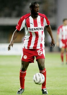 Toure Yaya Gnegneri. Bouake. Ivory Coast. (1983). Μέσος. Από το 2005 ~ 2006 (26 συμμετοχές 3 goals). Messi And Ronaldo, Bose, Athlete, Soccer, Football, Sports, Beauty, Soccer Players, Hs Sports