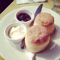 Caldermeade Farm & Cafe: Scones [9/10].