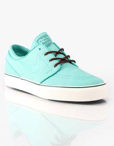 Nike Skateboarding Stefan Janoski Skate Shoes. Getting these for summer!