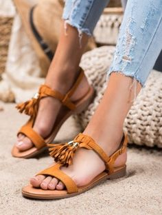 Sandálky so strapcami Birkenstock Mayari, Gladiator Sandals, Shoes, Fashion, Moda, Zapatos, Shoes Outlet, Fashion Styles, Shoe