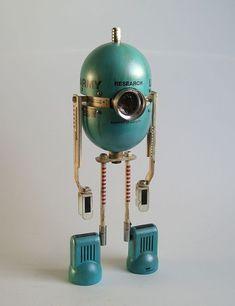 Arte Steampunk, Steampunk Robots, Steampunk Crafts, Arte Robot, Diy Robot, Vintage Robots, Retro Robot, Robot Technology, Technology Gadgets