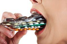 Чем еще можно разжижать кровь кроме аспирина. Список кроворазжижающих препаратов рассмотрим в статье.
