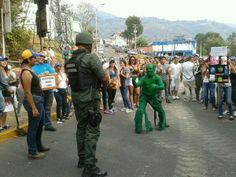 Hulk Gocho vs GNB - A protester makes light of a situation he disguises himself as the Hulk and challenges a Bolivarian National Guard