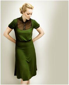 Knielange Kleider - M.I.R.A olive jersey dress - ein Designerstück von Femkit bei DaWanda