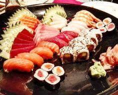 Today was sushi day. Who guesses where? Clue: it's in Lisbon!  #sushi #lisbon #lisboa #sashimi #nigiri #maki #salmon #salmao #tuna #atum #butterfish #peixemanteiga #cherne #whitegrouper #food #foodblog #foodie #foodblogger #blog #blogger