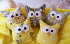 5 Darling Little Owl Ornaments...I want these for my sewing room, on a shelf.