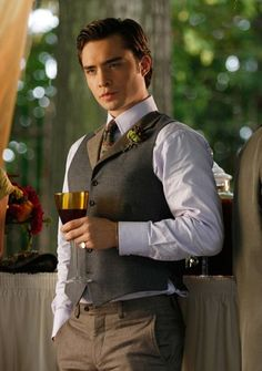 """""""Rufus Getting Married"""" Pictured: Ed Westwick as Chuck Photo Credit: Giovanni Rufino / The CW © 2009 The CW Network, LLC. All Rights Reserved. Estilo Chuck Bass, Chuck Bass Style, Im Chuck Bass, The Cw, Blair Waldorf, Chuck Bass Ed Westwick, Gossip Girl Chuck, Gossip Girls, Estilo Gossip Girl"""