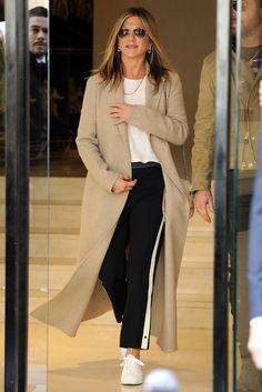 Дженнифер Энистон в Париже