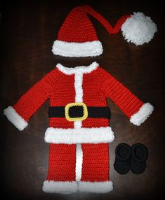 Hey, I found this really awesome Etsy listing at https://www.etsy.com/listing/171914790/crochet-santa-claus-suit-outfit