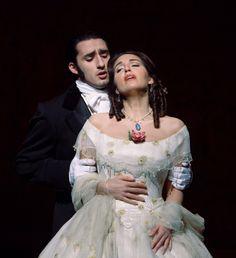 La Traviata  Google Image Result for http://ticketstoseats.com/images/la-traviata-1.jpg
