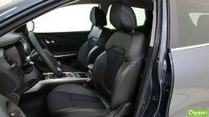 Les sièges du Kadjar sont bien dessinés. Ils sont en mi-cuir. Pour encore plus de confort, vous pouvez ajuster votre position de conduite en réhaussant le siège ou en soutenant vos lombaires.