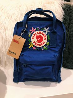 Hand Embroidered Fjallraven Kanken Mini Backpack - Best DIY and Crafts 2019 Kanken Backpack Mini, Kanken Mini, Diy Backpack, Mochila Kanken, Cute Backpacks For School, Orange Handbag, Mini Handbags, Backpacker, School Bags