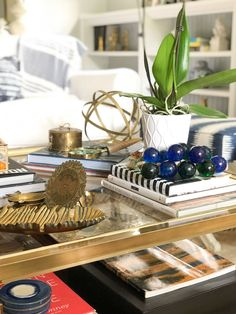 Sharing 3 items you can add to give more personal style to your coffee table, for more visit www.homewithkeki.com #coffeetablestyling #designtips #coffeetabletips
