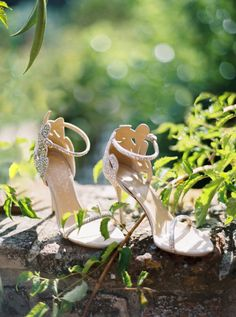 Fairytale sparkly wedding shoes: http://www.stylemepretty.com/2015/11/18/classic-tuscan-villa-wedding/ | Photography: Katie Grant - http://www.katiegrantphoto.com/