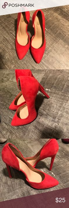 Bright red heels size 9 Bright red heels size 9 with a pointy toe and partially open side! Super cute Shoes Heels