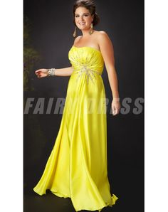 Shop for long prom dresses and formal evening gowns at Simply Dresses. Short casual graduation party dresses and long designer pageant gowns. Strapless Prom Dresses, Plus Size Prom Dresses, Cute Dresses, Bridesmaid Dresses, Formal Dresses, Prom Gowns, Moda Xl, Long Evening Gowns, Beaded Chiffon