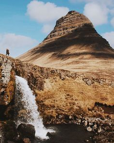 Kirkjufell, Snaefellsnes Peninsula, Iceland http://ibeebz.com