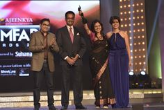 Dr. Ajeenkya DY Patil President (of Ajeenkya D Y Patil University) while giving an award at  'Ajeenkya DY Patil University Filmfare Awards (Marathi) 2014'.