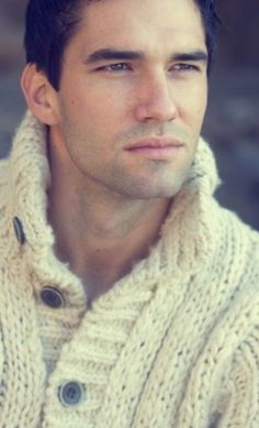 Chunky Knitwear, Fashion Models, Mens Fashion, Sweater Cardigan, What To Wear, Casual Outfits, Guys, Knitting, Beautiful Things