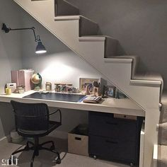 25 Inspiring Under Stairs Home Office Designs Ideas 40 Stunning Design Ideas to Build Room Under Stairs Office Under Stairs, Under Stairs Nook, Basement Office, Basement Bedrooms, Basement Ideas, Basement Ceilings, Basement Bars, Storage Under Stairs, Living Room Under Stairs