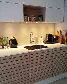 Bilde fra det nye massiv kjøkkenet til Marit og Terje i hvittonet eik @marit1948 #svanekjøkken #danskdesign #nyttkjøkken #pusseopp #design