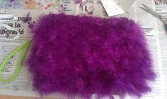 Mi bolso de plumas, hecho con mis manitas!!! My DIY feather clutch!!!