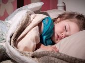 Use these top tips to help toilet train your child at night with advice from parenting expert, Fi Star-Stone. Toddler Sleep, Baby Sleep, How To Get Sleep, How To Make Bed, Clean Bed, Sleeping Too Much, Natural Sleep Aids, Toilet Training, Potty Training