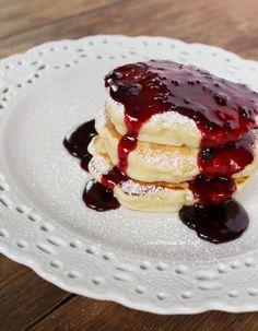 Penne im Topf: Hefe-Pfannkuchen mit warmer Marmelade