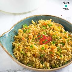 We love a BBQ, and this Syn Free Mexican Rice is a quick, easy and, Syn free accompaniment for your Slimming World friendly BBQs this summer. Indian Food Recipes, Healthy Recipes, Ethnic Recipes, Drink Recipes, Easy Recipes, Slimming World Recipes Syn Free, Savory Rice, Slimming Eats, Rice Dishes