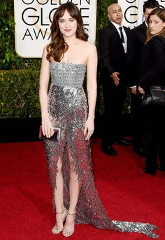 Dakota Johnson vestindo Chanel - Golden Globes 2015 – Inspirações   DRESS A PORTER – BLOG