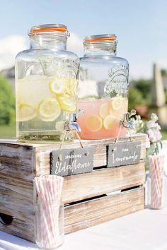 18 Unique & Creative Wedding Drink Bar Ideas for Outdoor Wedding – Diy Wedding 2020 Drink Bar, Bar Drinks, Alcoholic Drinks, Wedding Food Bars, Wedding Tips, Wedding Planning, Dream Wedding, Summer Wedding, Wedding Themes
