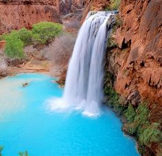 Havasu Waterfall in Grand Canyon - just amazing how the temp drops 20 or so degrees when you get near the water.  Gorgeous!