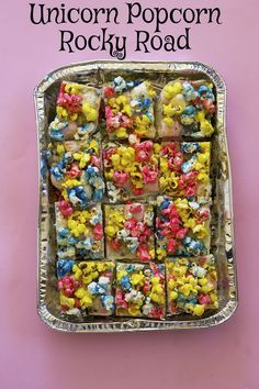 Wow. Talk about fancy and decadent... Unicorn Popcorn Rocky Road // The Sugar Hit @SugarHitSarah // oreos, marshmallows, white chocolate, ritz crackers