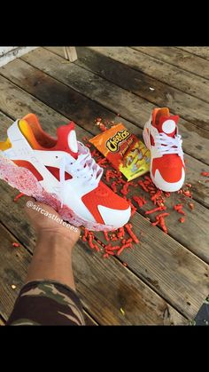 All shoes are made to order and ship in 4 weeks. Haraches Shoes, Fly Shoes, Hype Shoes, Tenis Nike Casual, Tenis Nike Air Max, Custom Painted Shoes, Custom Shoes, Cute Sneakers, Shoes Sneakers