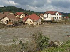Situație de urgenta  - Inundatie Cabin, House Styles, Home Decor, Firefighter, Decoration Home, Room Decor, Cabins, Cottage, Home Interior Design