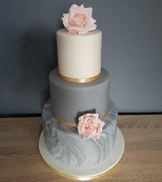 Grey marble Wedding Cake. Lego Wedding Cakes, Purple Wedding Cakes, Fall Wedding Cakes, Wedding Ideas, Rehearsal Dinner Cake, Quinceanera Cakes, Rose Pastel, Marble Cake, Just Cakes