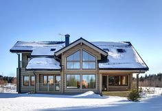 Honka log homes provide a cozy and warm living environment with natural building materials, high indoor air quality and a stress-reducing atmosphere.