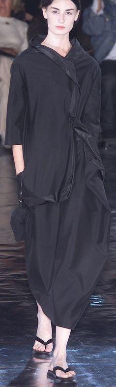 Yohji Yamamoto Spring 2001