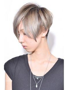 ★グレージュX前下がり2ブロックスタイル★エッジショート:L004558468 クレッシェンド(CRESCENDO)のヘアカタログ ホットペッパービューティー Short Hair Cuts, Short Hair Styles, Concave Bob, Longer Pixie Haircut, Funky Hairstyles, Pixie Cut, Hair Trends, Elegant, Beauty